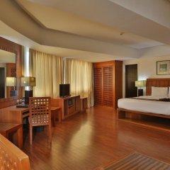 Crown Regency Hotel and Towers Cebu 4* Улучшенный номер с различными типами кроватей фото 3