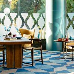 Renaissance Izmir Hotel интерьер отеля фото 2