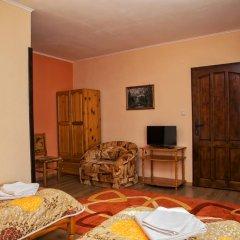 Отель Guest House Konakat Болгария, Чепеларе - отзывы, цены и фото номеров - забронировать отель Guest House Konakat онлайн комната для гостей