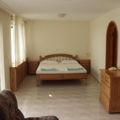 Отель T&D GuestHouse Suites Свети Влас комната для гостей фото 3