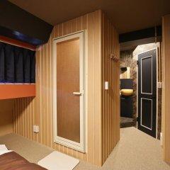 SAMURAIS HOSTEL Ikebukuro Стандартный семейный номер с двуспальной кроватью