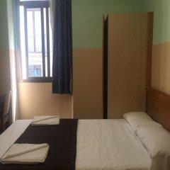 Отель Hostal Mont Thabor Улучшенный номер с различными типами кроватей фото 18