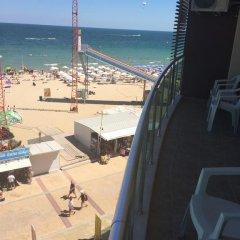 Отель Briz Beach Aparthotel Болгария, Солнечный берег - отзывы, цены и фото номеров - забронировать отель Briz Beach Aparthotel онлайн балкон