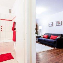 Апартаменты Serena Suites Serviced Apartments Зальцбург сейф в номере
