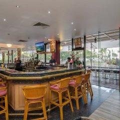 Acacia Court Hotel гостиничный бар