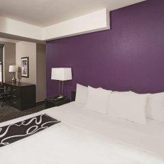 Отель La Quinta Inn & Suites New York City Central Park 2* Стандартный номер с двуспальной кроватью фото 3