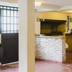 Отель La Posta Tigre Аргентина, Тигре - отзывы, цены и фото номеров - забронировать отель La Posta Tigre онлайн интерьер отеля