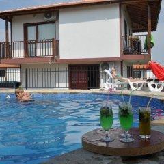 Отель Aleksandrovo Holiday Home Болгария, Равда - отзывы, цены и фото номеров - забронировать отель Aleksandrovo Holiday Home онлайн бассейн фото 3