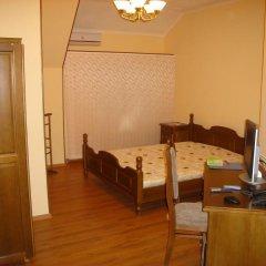 Гостиница 12 Стульев 2* Стандартный номер с 2 отдельными кроватями фото 3