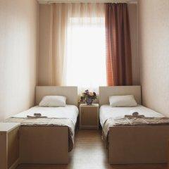 Гостиница Исаевский 3* Номер Эконом с разными типами кроватей (общая ванная комната) фото 3