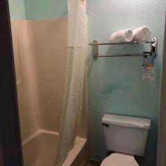 Отель Quality Inn Sarasota North 2* Стандартный номер с различными типами кроватей фото 7