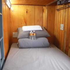Отель Gold Night 2* Кровать в общем номере фото 2