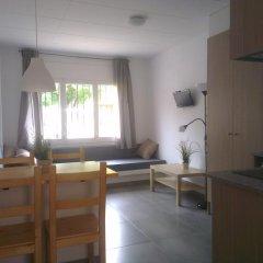 Отель Apartaments La Riera Испания, Курорт Росес - отзывы, цены и фото номеров - забронировать отель Apartaments La Riera онлайн комната для гостей фото 3