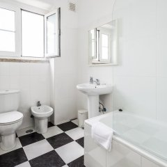 Отель Apartamentos Lux Dinastia Португалия, Лиссабон - отзывы, цены и фото номеров - забронировать отель Apartamentos Lux Dinastia онлайн ванная