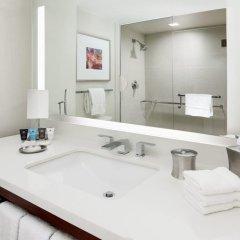Отель Crowne Plaza Times Square Manhattan 4* Стандартный номер с двуспальной кроватью фото 4