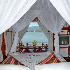 Отель Myanmar Treasure Resort Inle 4* Номер Делюкс с двуспальной кроватью