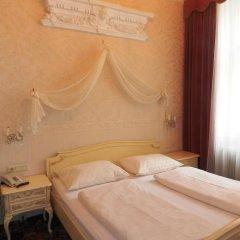 Отель Aviano Pension 4* Стандартный номер с двуспальной кроватью фото 10