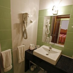 Отель Pensao Praca Da Figueira Стандартный номер фото 8