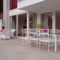 Отель White Suites XI гостиничный бар