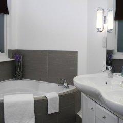 Queens Hotel 3* Студия с разными типами кроватей фото 5
