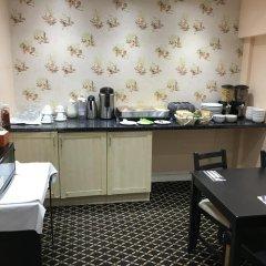 Essex Inn Hotel питание