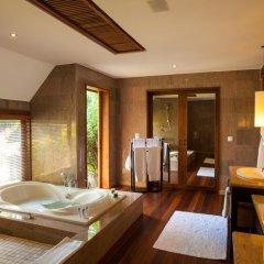 Отель The St Regis Bora Bora Resort 5* Вилла Reefside garden с различными типами кроватей фото 3