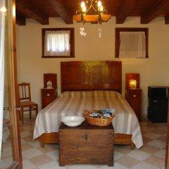 Отель Terre Rosse Farmhouse Италия, Региональный парк Colli Euganei - отзывы, цены и фото номеров - забронировать отель Terre Rosse Farmhouse онлайн комната для гостей фото 2