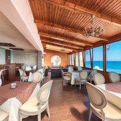 Отель Flamingo Beach Hotel Кипр, Ларнака - 13 отзывов об отеле, цены и фото номеров - забронировать отель Flamingo Beach Hotel онлайн гостиничный бар фото 2