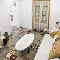 The Surf Embassy Hostel бассейн