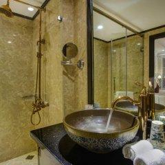 Oriental Central Hotel 3* Улучшенный номер с различными типами кроватей фото 11