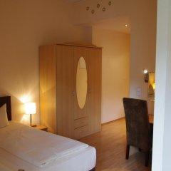 Отель Am Sendlinger Tor 3* Кровать в общем номере фото 9