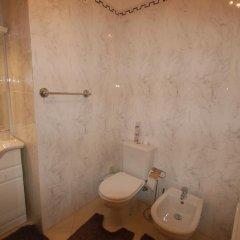 Отель Onda Moura Португалия, Виламура - отзывы, цены и фото номеров - забронировать отель Onda Moura онлайн ванная фото 2