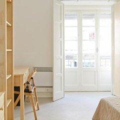 Отель Sunny Lisbon - Guesthouse and Residence 3* Стандартный номер с двуспальной кроватью (общая ванная комната) фото 13