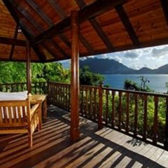 Отель Cerf Island Resort балкон