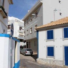 Отель Casa das Aguarelas - Apartamentos парковка