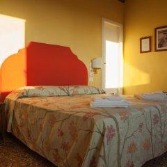 Отель Locanda Ai Santi Apostoli 3* Улучшенный номер с различными типами кроватей фото 9