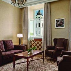 Grand Hotel Kempinski Vilnius 5* Улучшенный номер с 2 отдельными кроватями фото 3