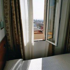 Отель Hostal Luis XV Стандартный номер с двуспальной кроватью фото 8