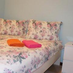 Хостел Сувенир Кровать в общем номере с двухъярусной кроватью