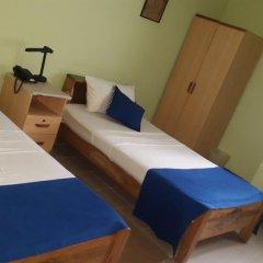 Отель Almond Tree Guest House 3* Стандартный номер с 2 отдельными кроватями (общая ванная комната) фото 2
