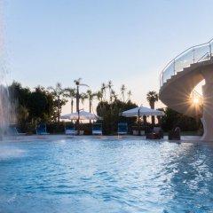Hotel Residence Arcobaleno Пальми бассейн