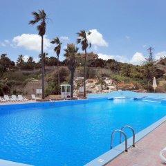 Beach Garden Hotel бассейн