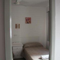 Отель Hostal Las Nieves Стандартный номер с 2 отдельными кроватями (общая ванная комната) фото 12