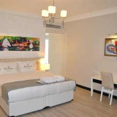 Real House Boutique Hotel Люкс с различными типами кроватей фото 2