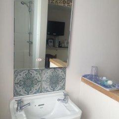 Crescent Hotel 3* Стандартный номер с различными типами кроватей (общая ванная комната) фото 5