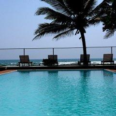 Отель Villa Wadduwa бассейн