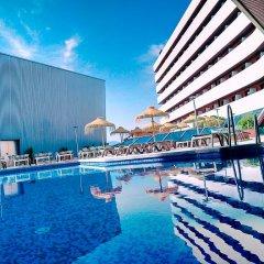 Отель Ohtels Campo De Gibraltar бассейн