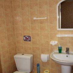 Гостевой Дом Людмила Апартаменты с разными типами кроватей фото 42