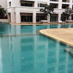 Отель Lovely Condo Паттайя бассейн фото 3
