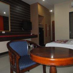 Dengba Hostel Phuket Улучшенный номер с различными типами кроватей фото 4